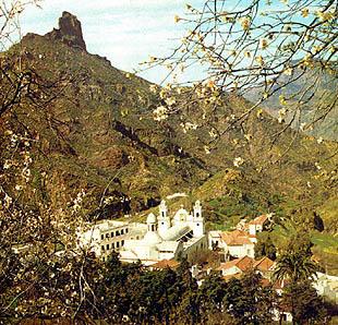 Iglesias Gran Canaria, Iglesia
